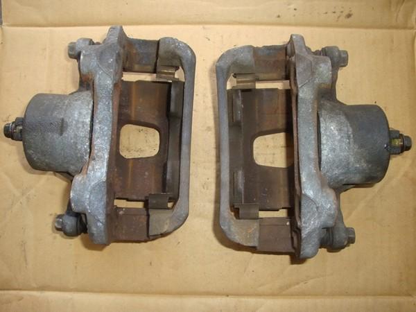 Устранение стуков в передних суппортах Nissan Sunny b15