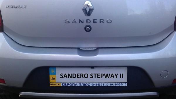 Установка камеры заднего вида Renault Sandero
