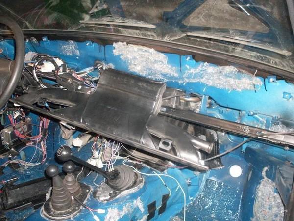 Шумоизоляция пола в НИВЕ - тоннель, перегородка двигателя