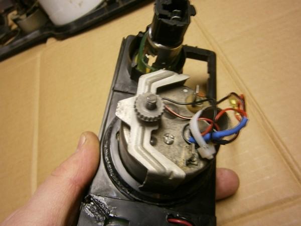 Установка вольтмера вместо часов в панель ВАЗ 2106