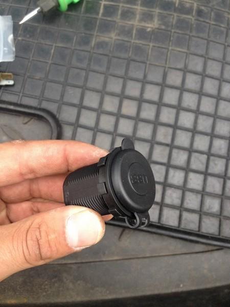 Подробнее: Установка USB зарядки вместо розетки прикуривателя Nissan Qashqai