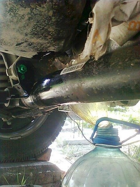 Замена масла в двигателе Шевроле Нивы (ВАЗ 2123)