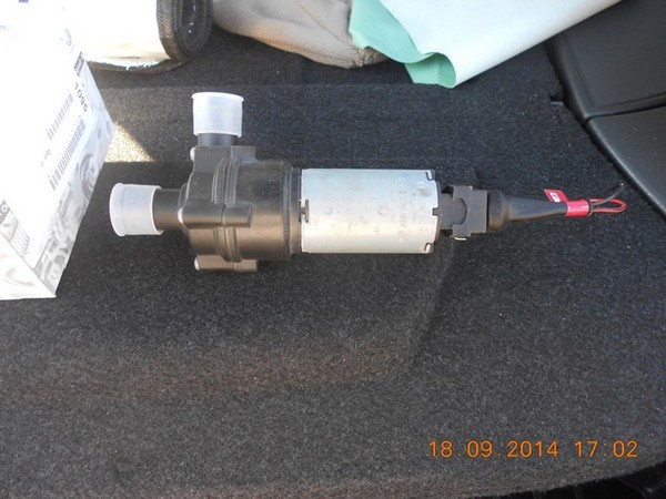 Установка дополнительного водяного насоса Bosch в Ладу Приора