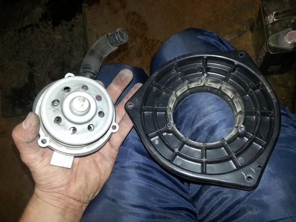 Подробнее: Чистка и смазка моторчика печки Suzuki Grand Vitara 2