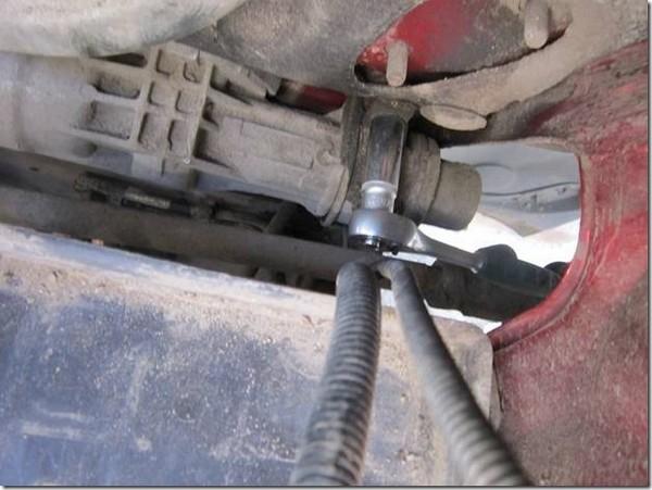 Как заменить рулевую тягу на калине
